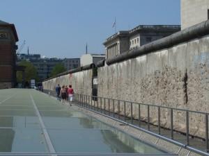 Berlin_Wall_-_Niederkirchner_Strasse