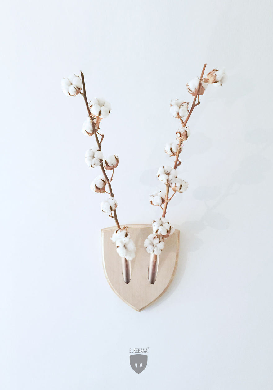 Turn-plants-into-vegan-antler-wall-mount-with-this-cool-design__880